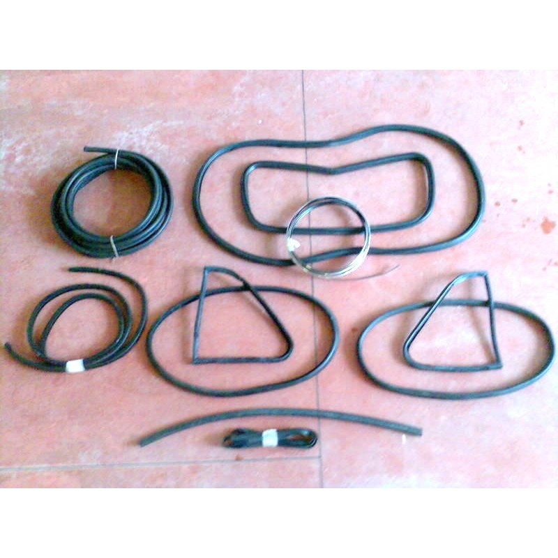 COMPLETE WINDSHIELD AND CHASSIS GASKET KIT FIAT 500 L