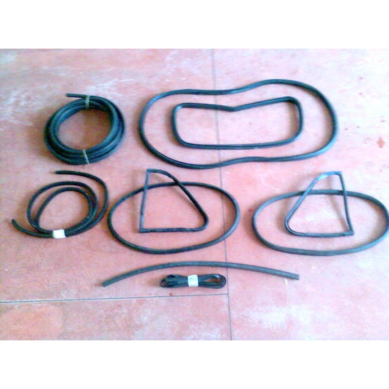 COMPLETE WINDSHIELD AND CHASSIS GASKET KIT FIAT 500 F R