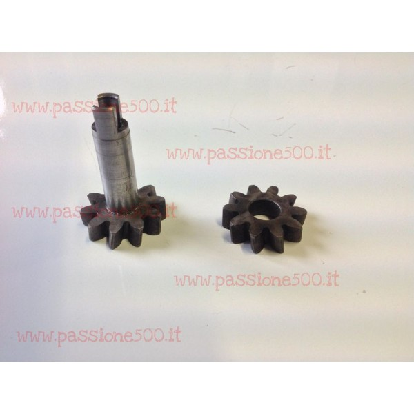 PAIR OF OIL PUMP GEARS FIAT 500 F L to 1968 (read note)