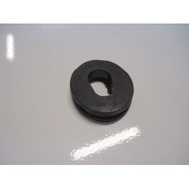 RUBBER GROMMET WITH OVAL HOLE FIAT 500 (click for the list of use)